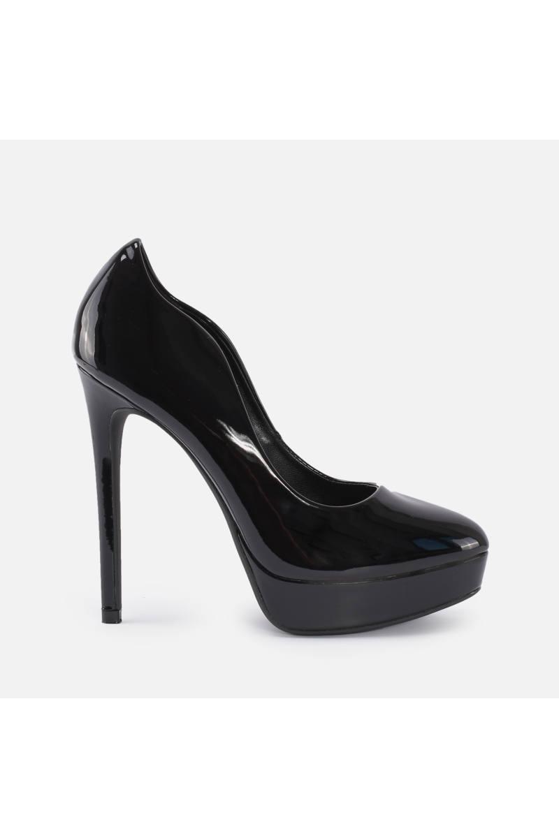 Magassarkú cipő bármelyik évszakban