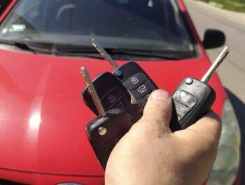Autózár nyitás egyetlen telefonhívással