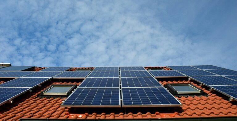 Gyakran ismételt kérdés: mennyi napelem kell egy házhoz?
