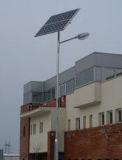 A napelemes kandeláber télen is remekül működik